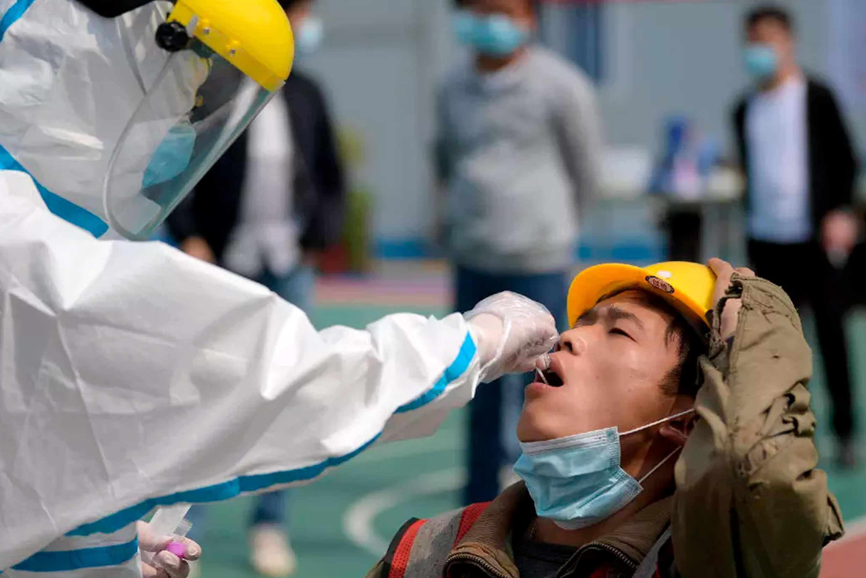 Novos casos de Covid-19 na China sugerem que o vírus está mudando