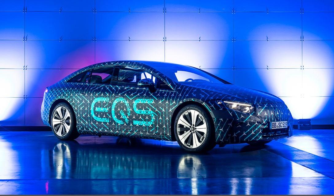 Mercedes lança carro elétrico de luxo em duelo com Tesla