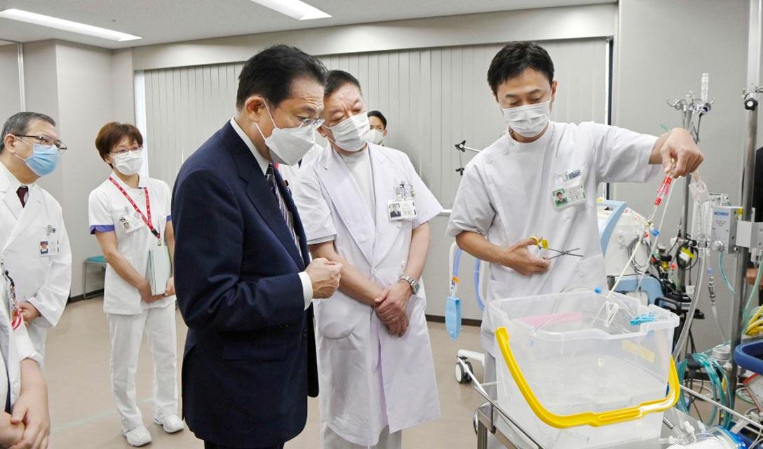 Primeiro ministro promete fortalecer o sistema médico para pacientes COVID
